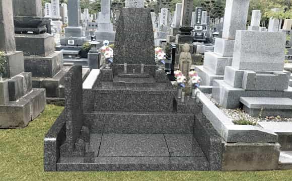 個性的なデザイン墓石